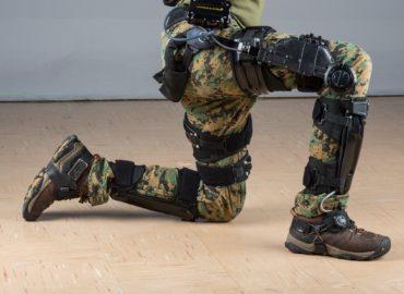 Американські солдати тестують екзоскелети