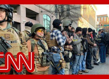Протест зі зброєю в руках
