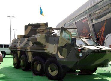 БТР-4Е йде до війська