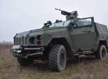 93-тя бригада опановує бронеавтомобілі «Новатори»