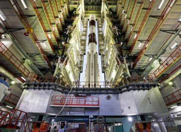 В Індії завод по створенню ракет і супутників перевели на виробництво масок і апаратів ШВЛ