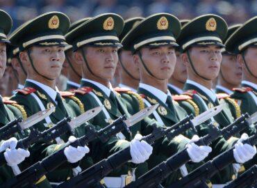 Китай збільшує витрати на оборону
