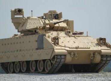 Bradley A4 пішов до війська