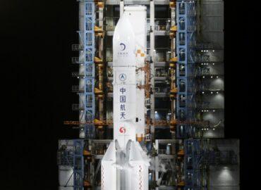 Китайці відправили «Чан'е-5» за місячним грунтом