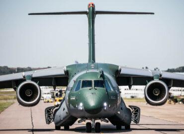 Угорщина купує бразильські військові літаки